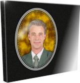 Photo porcelaine sur plaque funéraire personnalisée.