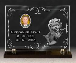 Plaque de verre sur socle granit + photo porcelaine, ange grav�, textes et bordure d�corative.