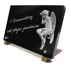 Plaque funéraire Ange et texte gravés sur granit à personnaliser.