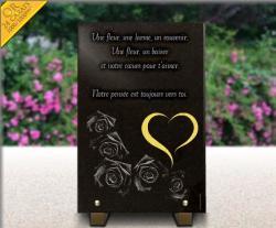 Plaque de cimetière en granit gravé de 5 roses, texte et coeur gravé, doré en or 24 carats.