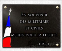 Plaque commémorative militaire avec drapeau tricolore