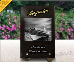 Plaque en granit bateau, barque sur la plage, texte gravé doré 24 carats