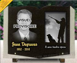 Plaque mortuaire livre en granit, personnalisable avec photo,  chasseur, chien et dorure.