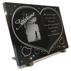 Grande plaque funéraire coeur en granit à personnaliser avec coeurs, étoiles et pêcheur à la mouche.