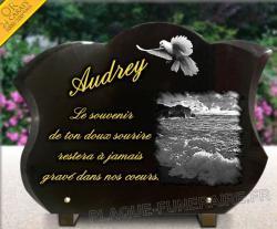 Plaque pour un monument funéraire oiseau