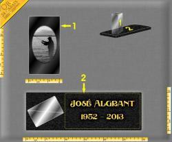 Plaque funéraire moderne : Cube de verre 1.5Kg personnalisable gravé fixé sur socle granit gravé et doré
