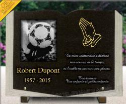 Plaque granit d�coup� en livre + dorure 24 carats + dessin ballon de foot