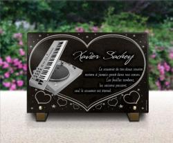 Plaque funéraire coeur avec platine de mixage vinyl dj et clavier piano