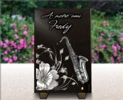 Plaque de cimetière avec dessin floral et saxophone pour musicien