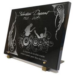 Plaque en verre gravé avec dessin moderne guitariste en concert et décoration