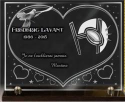 Plaque funéraire en verre thème ballon de rugby avec colombe coeur but