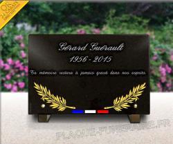Plaque funéraire pour militaire, pompier. Palmes gravées.
