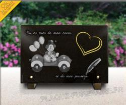 Plaque fun�raire pour enfants avec clown, plume et coeur en or