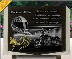 Plaque funéraire motard en granit personnalisable forme livre avec dessin doré, casque et moto