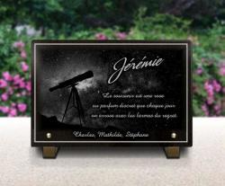 Gravure sur plaque funéraire en granit ou en verre astronomie