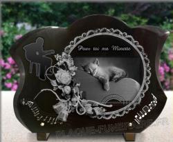 Plaque funéraire personnalisable avec musicien, partitions, chaton et fleurs