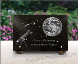Plaque funéraire  ciel-espace-terre