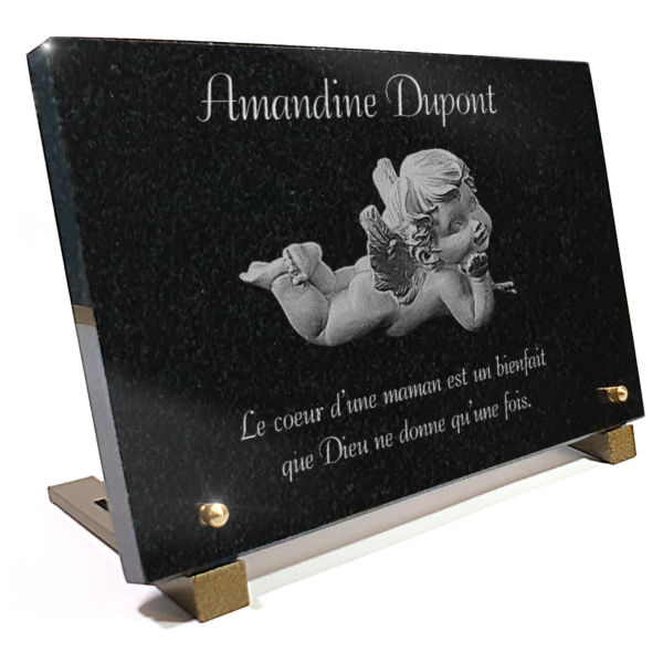 Plaque funéraire granit  . 20 x 30 cm.