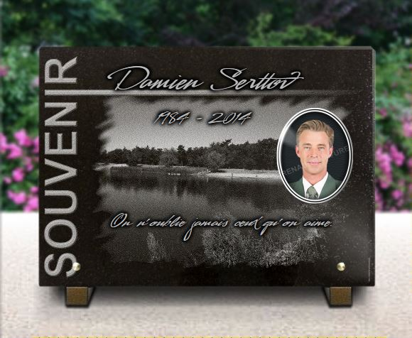 Plaque funéraire granit  pêcheur pêche mer lac rivière porcelaine souvenir. 25 x 35 cm.