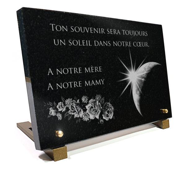 Plaque funéraire en granit  planette terre soleil étoiles bouquet roses. 20 x 30 cm.