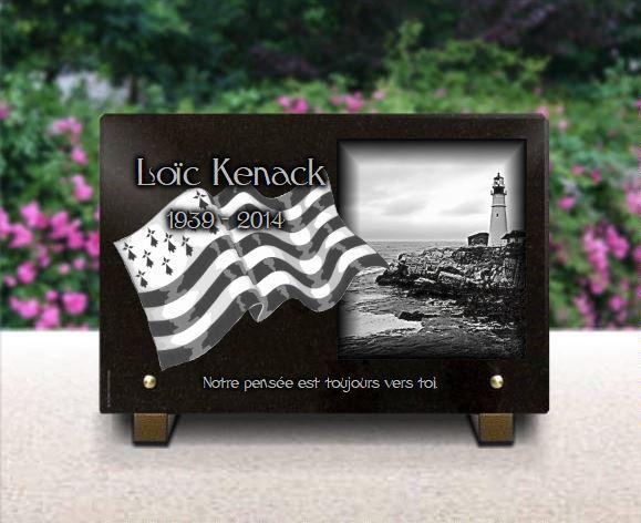 Plaque funéraire granit  drapeau breton gretagne Gwenn ha du Gwenn-ha-Du Blanc e Neirr phare rochers. 20 x 30 cm.