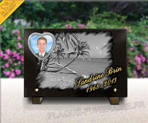 Plaque funéraire granit  dorure plage de sable palmiers cocotiers soleil caraibe dom-tom iles porcelaine coeur. 20 x 30 cm.