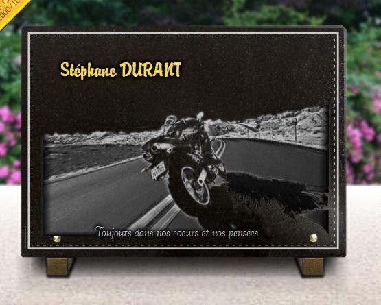 Plaque funéraire granit  route autoroute paysage désertique. 25 x 35 cm.