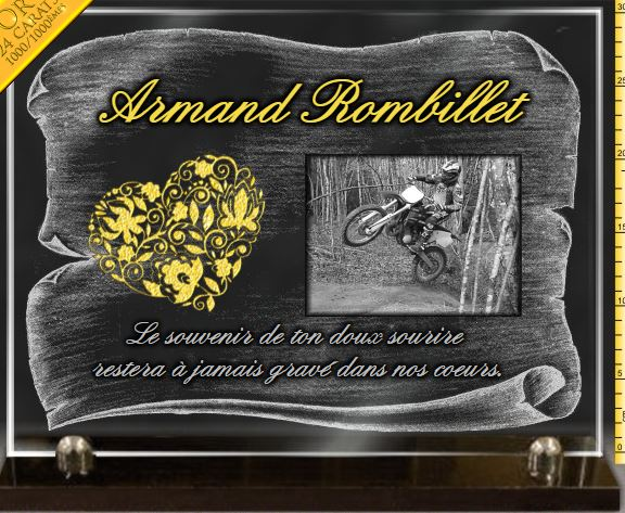 Plaque funéraire verre dorure coeur C?ur moto cross rallye fleurs. 30 x 40 cm.