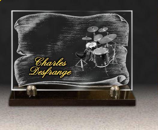 Plaque funéraire verre porcelaine dorure batterie toms pads cymbales batteur musique rock. 20 x 30 cm.
