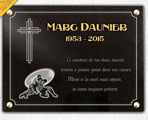 Plaque funéraire granit rugby sport équipe foot croix chrétienne dorure 24 carats bordure décorative. 30 x 40 cm.