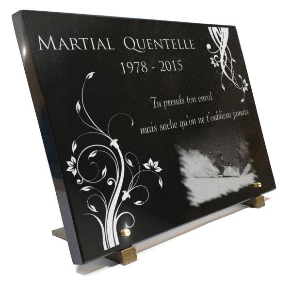 Plaque funéraire granit arabesques fleurs collection oppos ski neige sport . 30 x 40 cm.