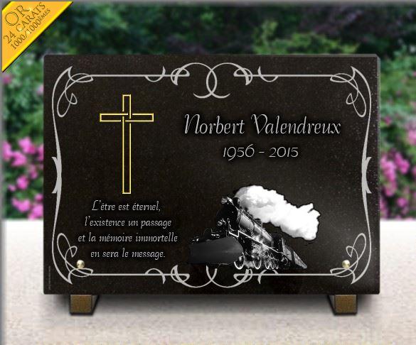 Plaque funéraire granit croix or dorure .  35 x 25 cm.