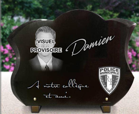 Plaque funéraire granit  Police municipale. 30 x 40 cm.