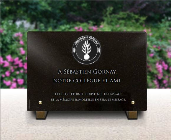 Plaque funéraire granit  Gendarmerie nationale. 20 x 30 cm.