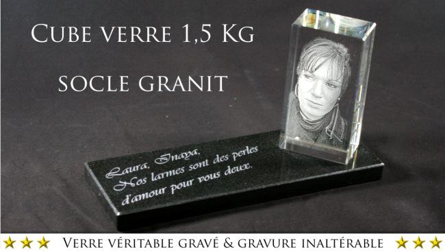 Photo d'une plaque moderne à poser sur la sépulture d'un défunt.