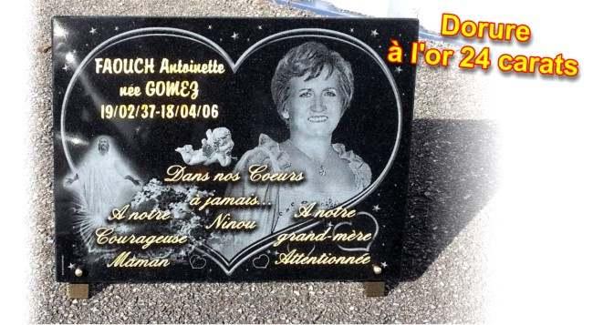 Plaque de deuil en granit avec forme coeur et photo du défunt