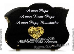 Photo de : Plaque funéraire glabée avec coeur gravé doré 24 carats