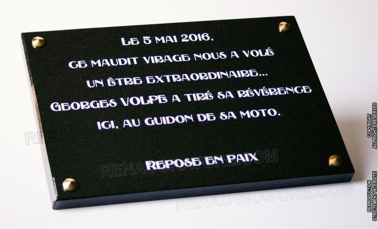 Plaque commémorative à fixer 35x25cm en granit gravé.