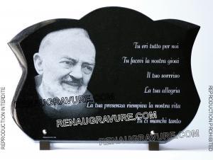 Photo de : plaque de cimetière phot padré Pio.