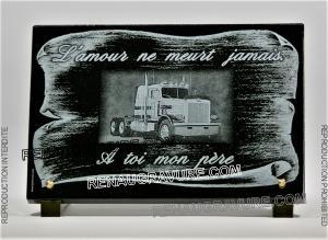 Photo de : Plaque funéraire parchemin et camion personnalisable