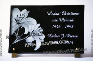 Photo de : Plaque funéraire pas cher en promotion et personnalisable.