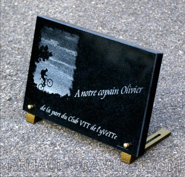 plaque funéraire cycliste à vélo tous chemins VTT