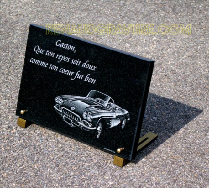 Plaque de deuil avec voiture de collection