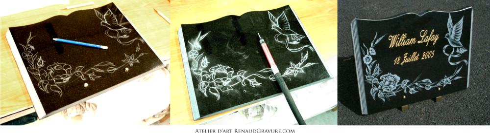 Fleurs sur une plaque funéraires en granit de forme livre ouvert