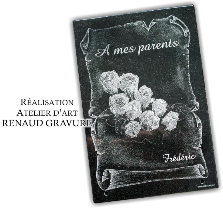 Bouquet de roses et parchemin