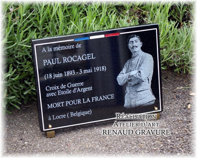 Plaque funéraire avec photo portrait anciens combattants et drapeau tricolore