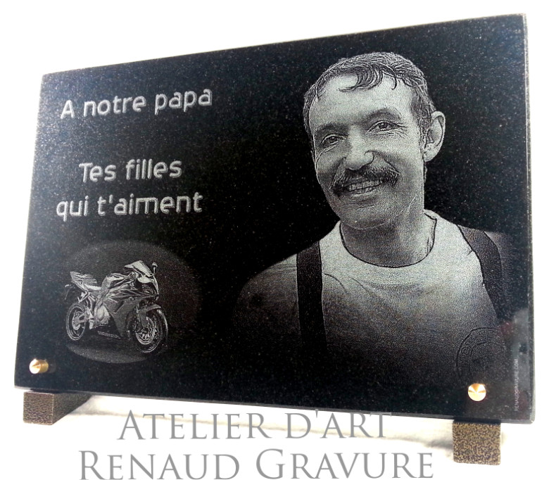 Plaque fun�raire motard