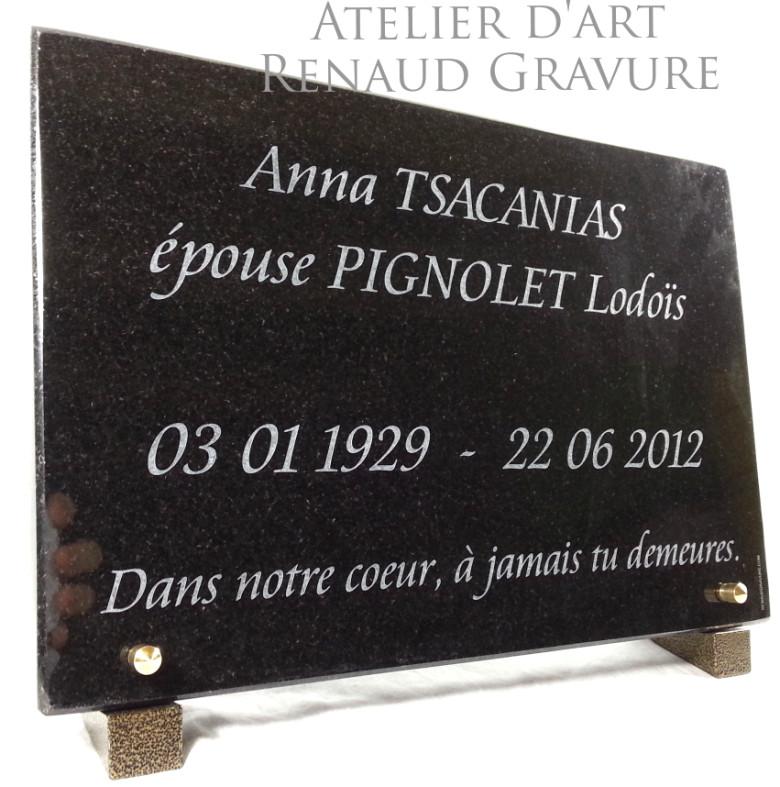 Epitaphe sur plaque en granit gravé