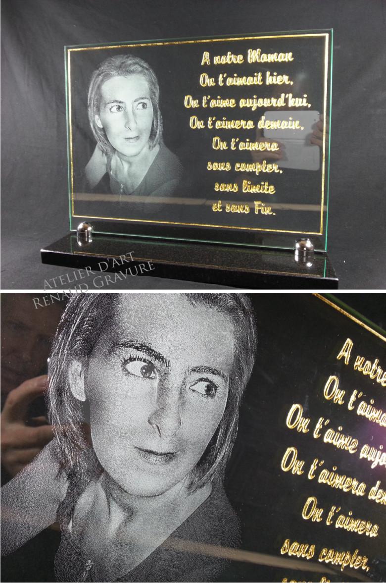 Plaque funéraire en verre avec photo