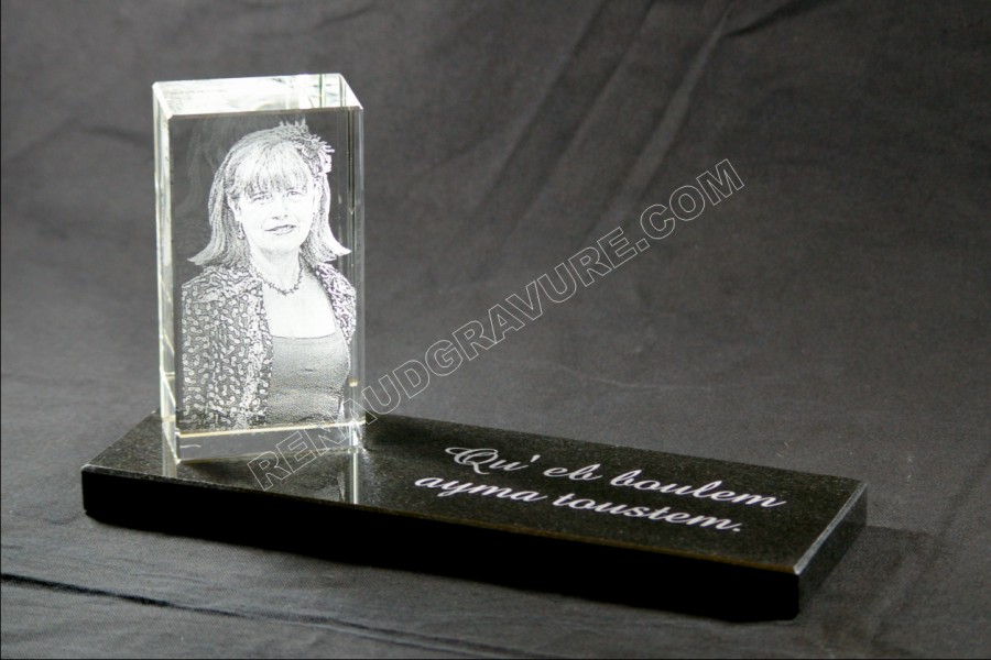 memorial plaque with etched portrait and photo photoengraving of art guaranteed stable 1. Black Bedroom Furniture Sets. Home Design Ideas